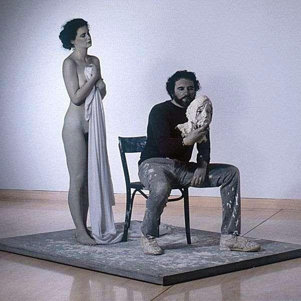 По Курбе. Скультура   Джон де Андреа